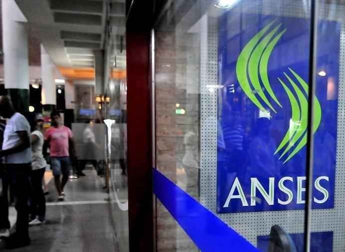 Porque cobre menos si la AUH aumento a 1684 pesos