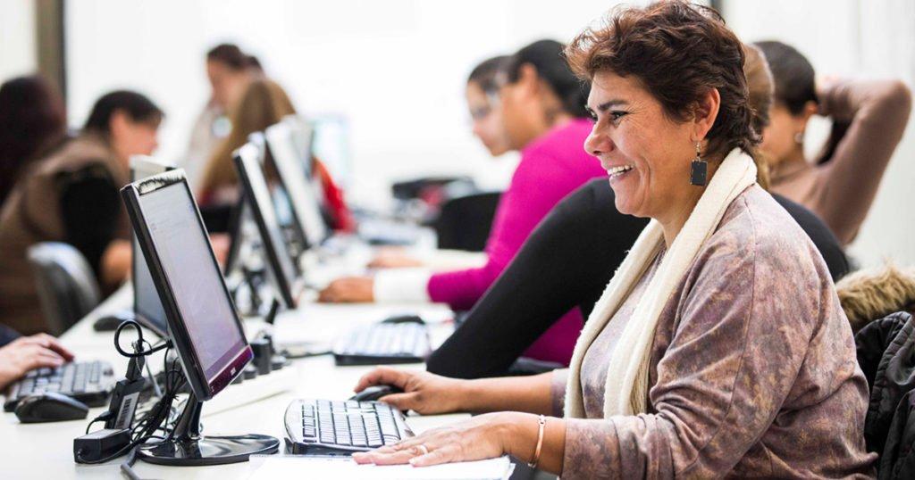 Talleres de Inclusión Digital para Adultos mayores DICIEMBRE